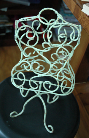 Wire_dress_form